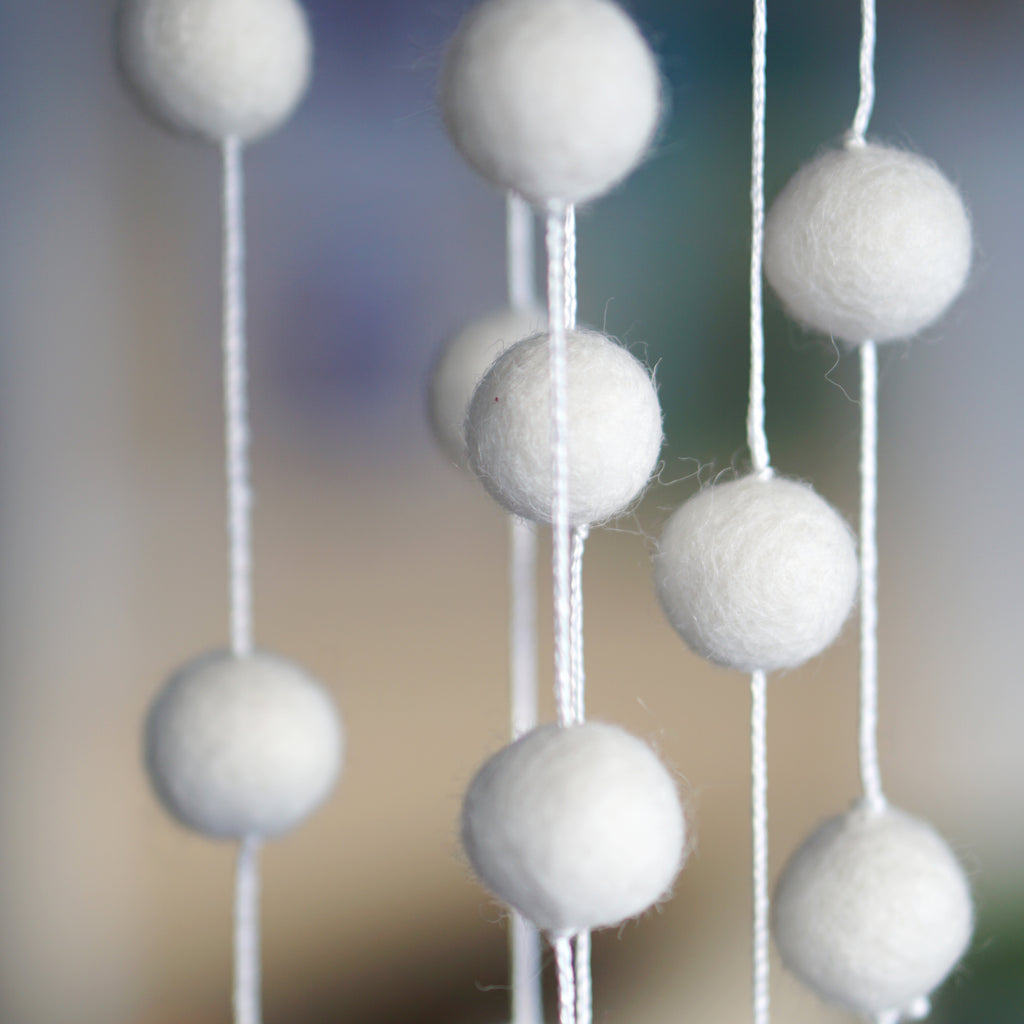 2cm Natural White Felt Ball Garland 9ft