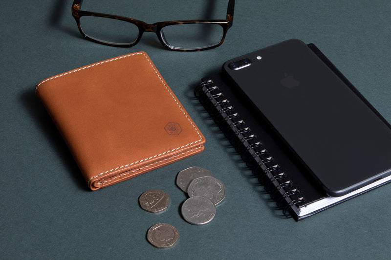 Slim Bifold Wallet with Coin, Tan - Jekyll and Hide SA