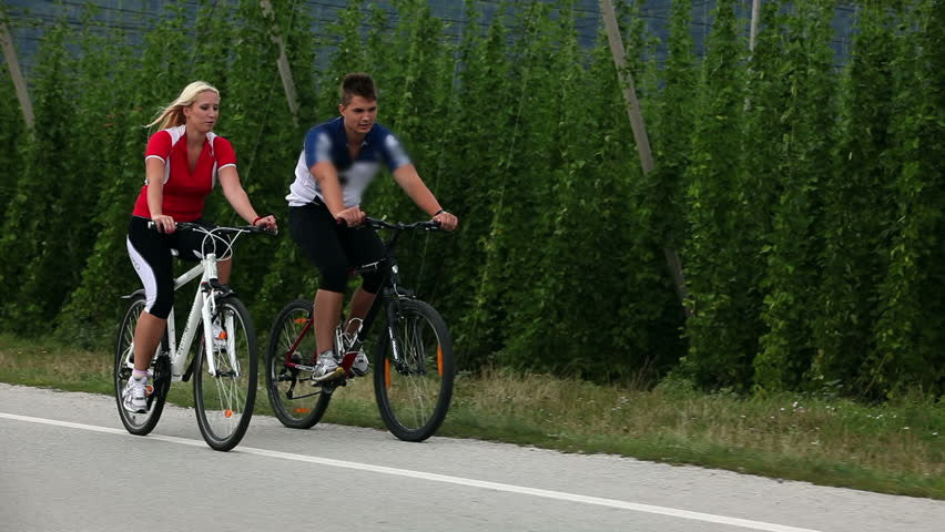 Cycling Between the Sexes: Men vs. Women