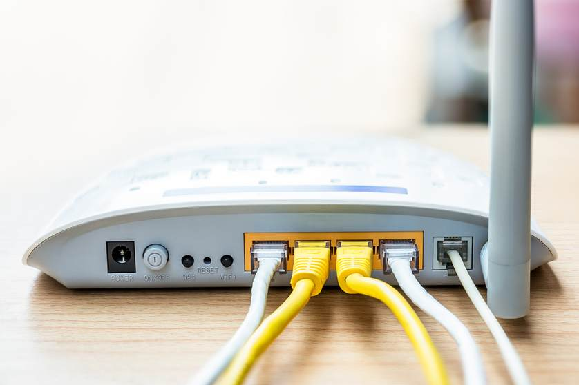router-ethernet-connection