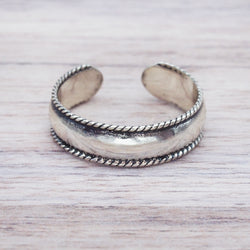 Classic Toe Ring. Bohemian Jewellery. Indie and Harper