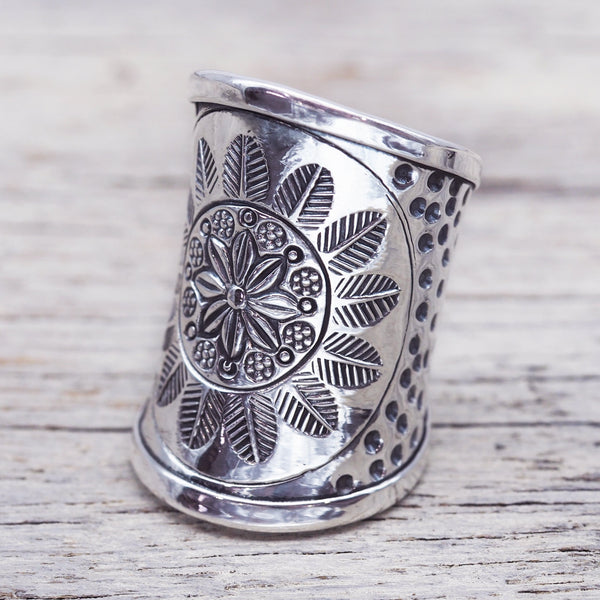 Daisy Mandala Ring. Bohemian Jewellery. Indie and Harper