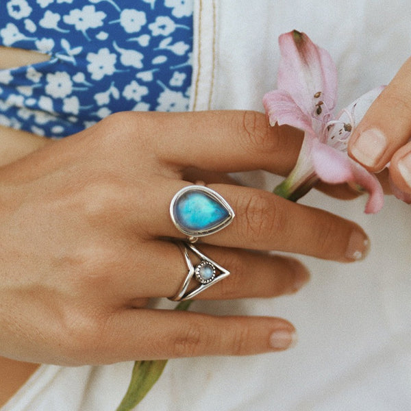 Labradorite_Rain_Drop_Ring_Bohemian_Jewelry_Indie_and_Harper