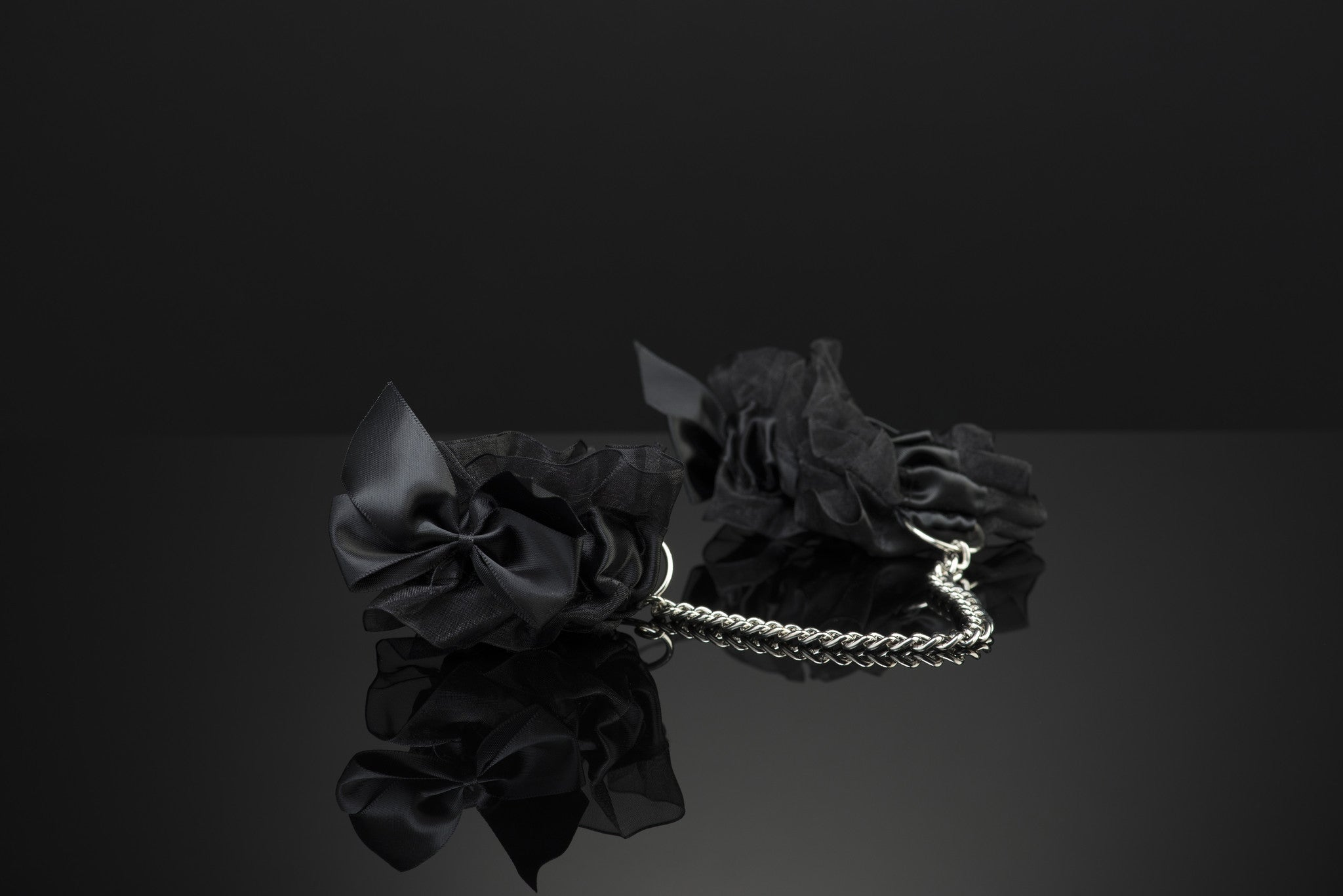 Frou Frou Handcuffs by Bijoux Indiscrets