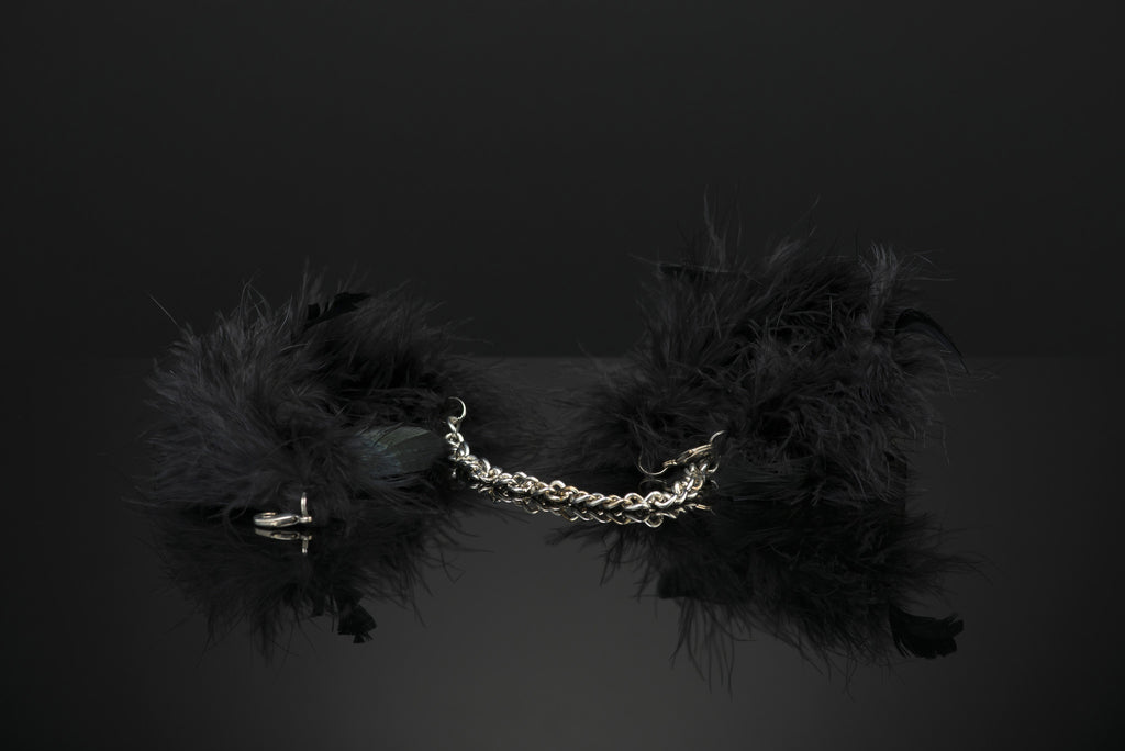 Feather Handcuffs by Bijoux Indiscrets