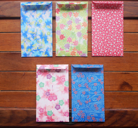 Floral print origami money envelopes