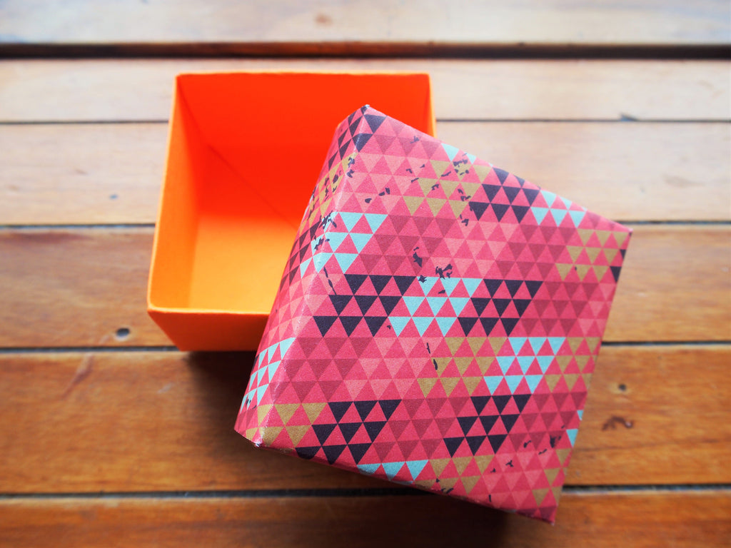 Gift box with lid--orange and red geometric
