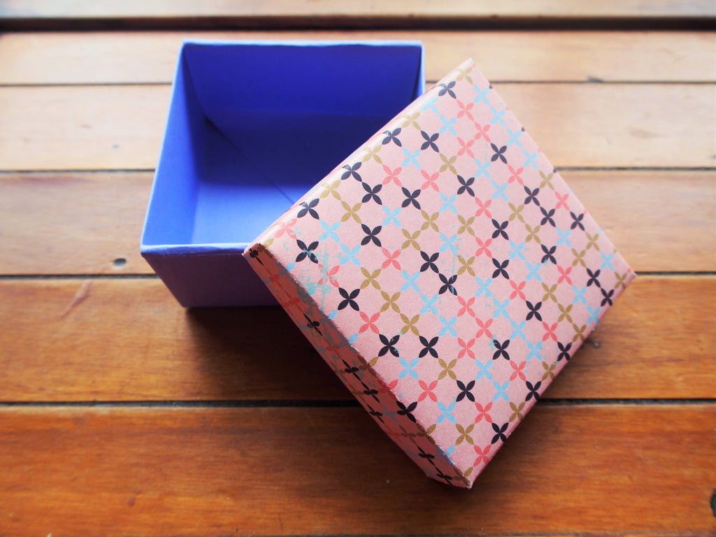 Gift box with lid--lavender and pink petals