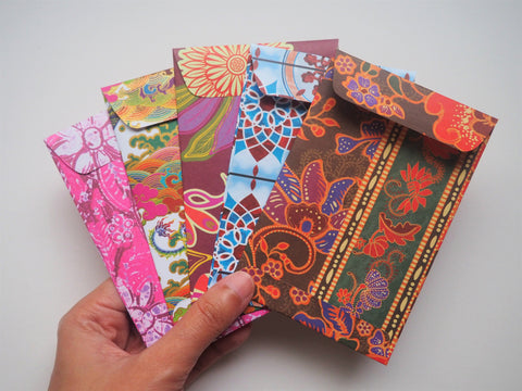 Traditional batik and ethnic designs money envelopes for Eid--set of 5 in wide design