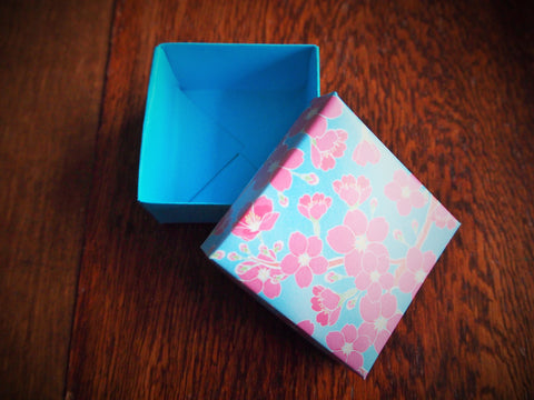 Blue and pink cherry blossom origami gift box with lid
