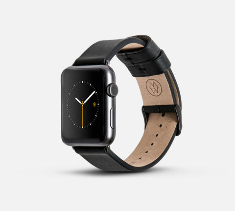 Classic Leather Band - Apple Watch Monowear Black
