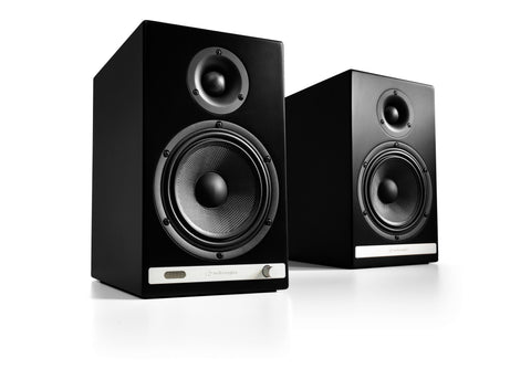Audioengine bocinas inalámbricas HD6 - Color Negro (auto amplificadas)