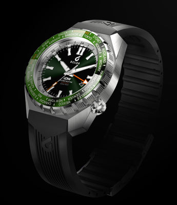 BOLDR Globetrotter GMT - Diver's Watch Facebook Group LE (Green)