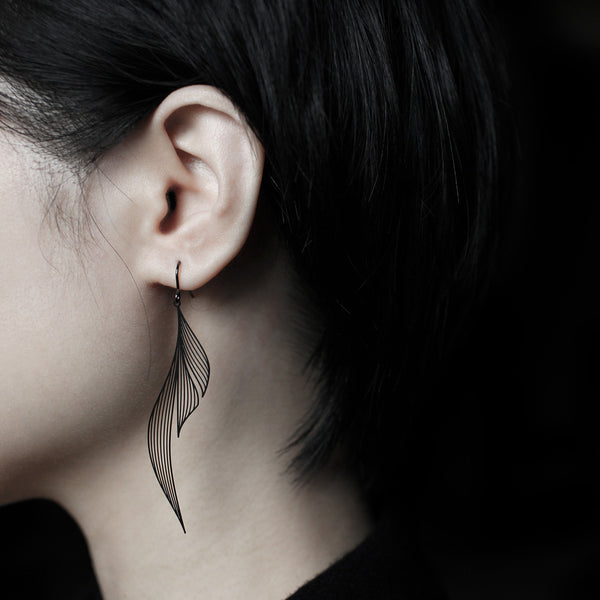 Black Ripple Earrings黑漣漪耳環 (E15B)