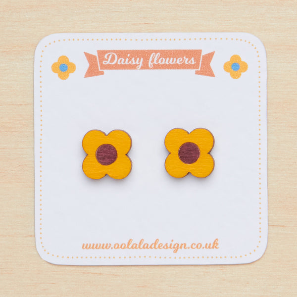 Yellow daisy studs - Oolaladesign