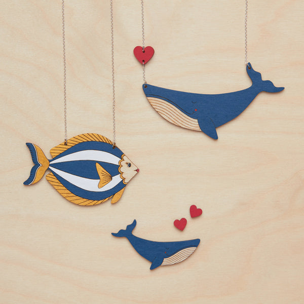 Whale and heart necklace - Oolaladesign