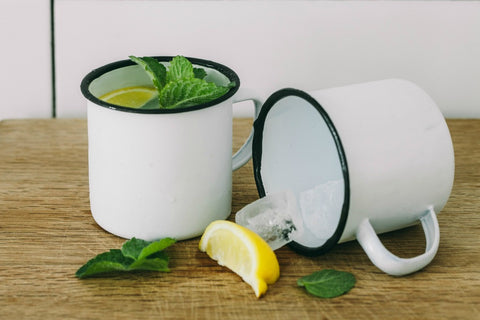 collectie.co.uk White enamel mug black rim summer drinks
