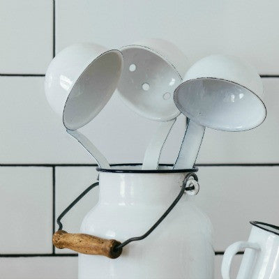 Collectie White Enamel Ladels