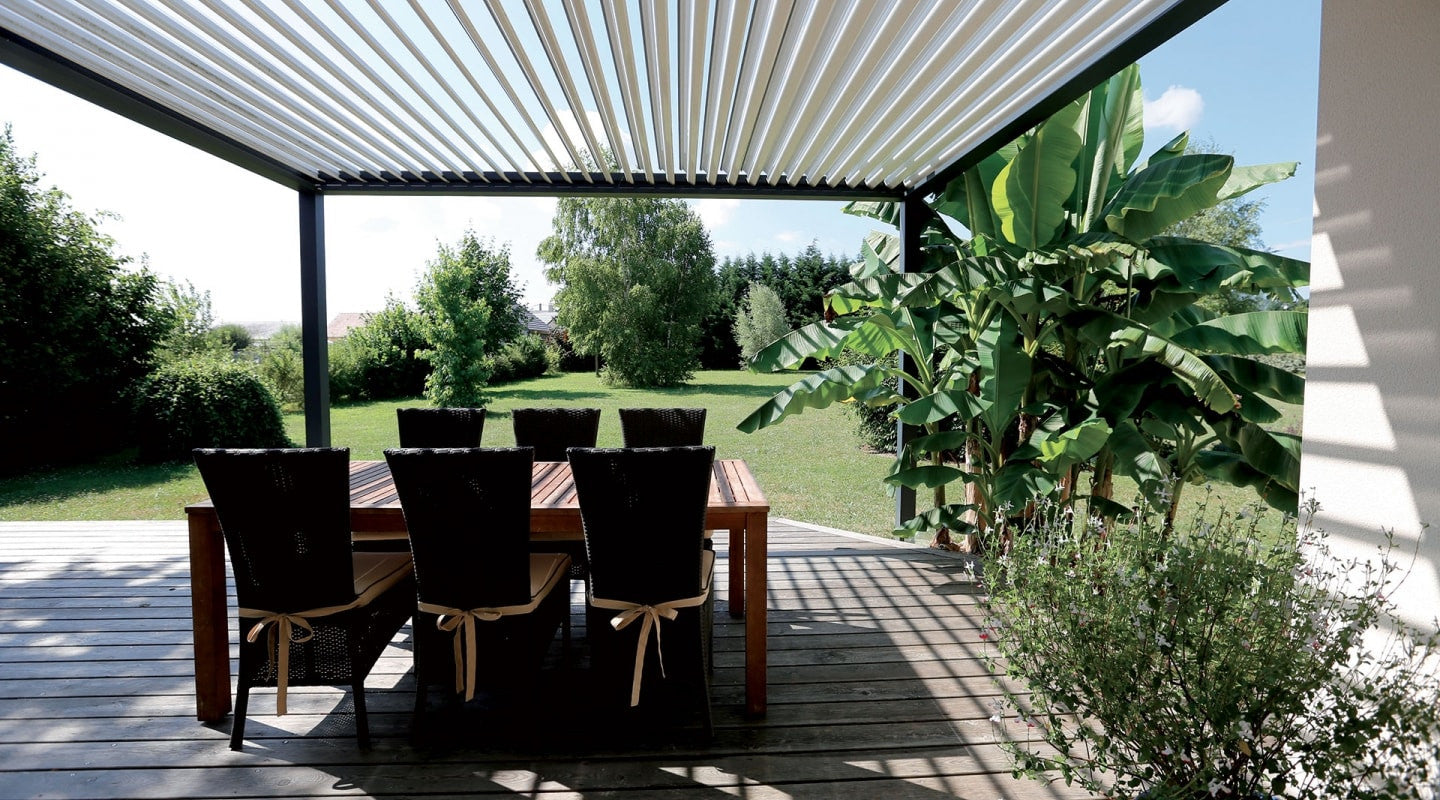 pergola bioclimatique biossun idf loire rh ne. Black Bedroom Furniture Sets. Home Design Ideas