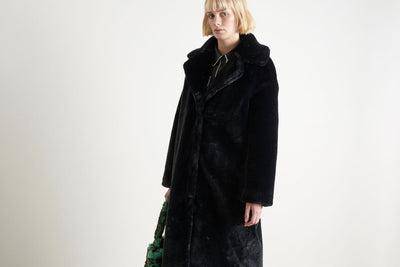 "STAND Fake Fur Mantel ""Camilla"" black"