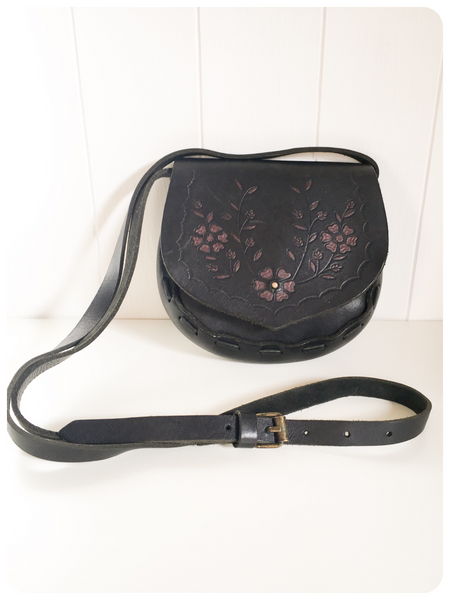 VINTAGE 70's 80's BLACK THICK TOOLED FLORAL LEATHER SADDLE SHOULDER BAG