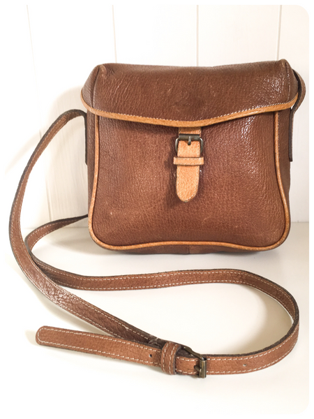 VINTAGE 1970's 80's TWO TONE TAN THICK LEATHER SADDLE MESSENGER BAG