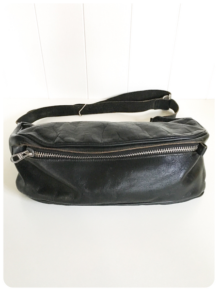 VINTAGE 70's LARGE THICK BLACK LEATHER BUM BAG FESTIVAL