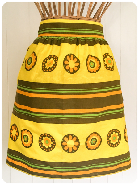 ORIGINAL VINTAGE 1970's FLOWER POWER YELLOW APRON PINNY