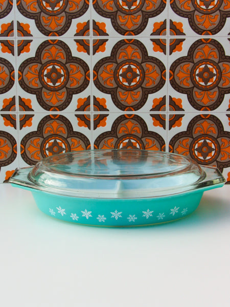 1960's Pyrex Snowflake Lidded Divided Cooking Serving Dish - Penny Bizarre - 1
