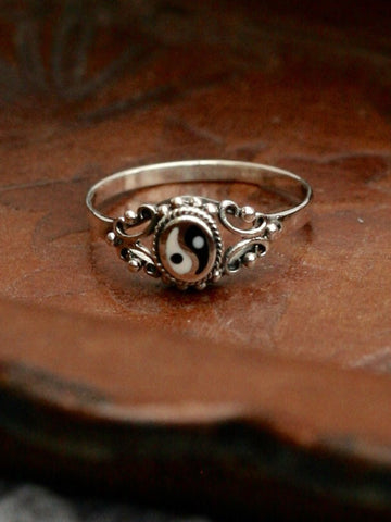 Sterling Silver Vintage Yin Yang Ring - Penny Bizarre - 1