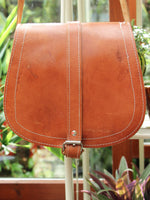 Vintage 70s Tan Leather Saddle Bag - Penny Bizarre - 5