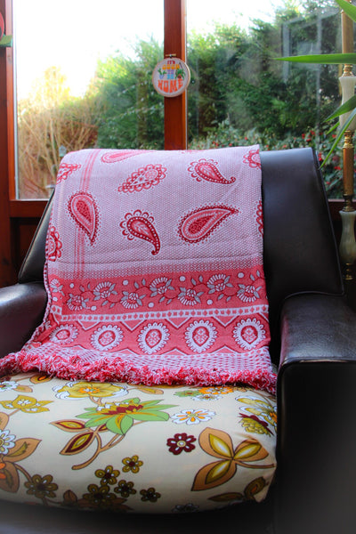 Vintage Paisley Hearts Tapestry Throw Blanket - Penny Bizarre - 1