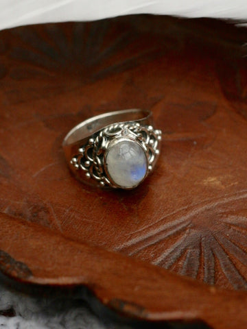 Sterling Silver Vintage Moonstone Ring - Penny Bizarre - 1
