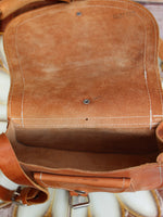 Vintage 70s Tan Leather Saddle Bag - Penny Bizarre - 7