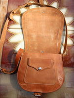 Vintage 70s Tan Leather Saddle Bag - Penny Bizarre - 6