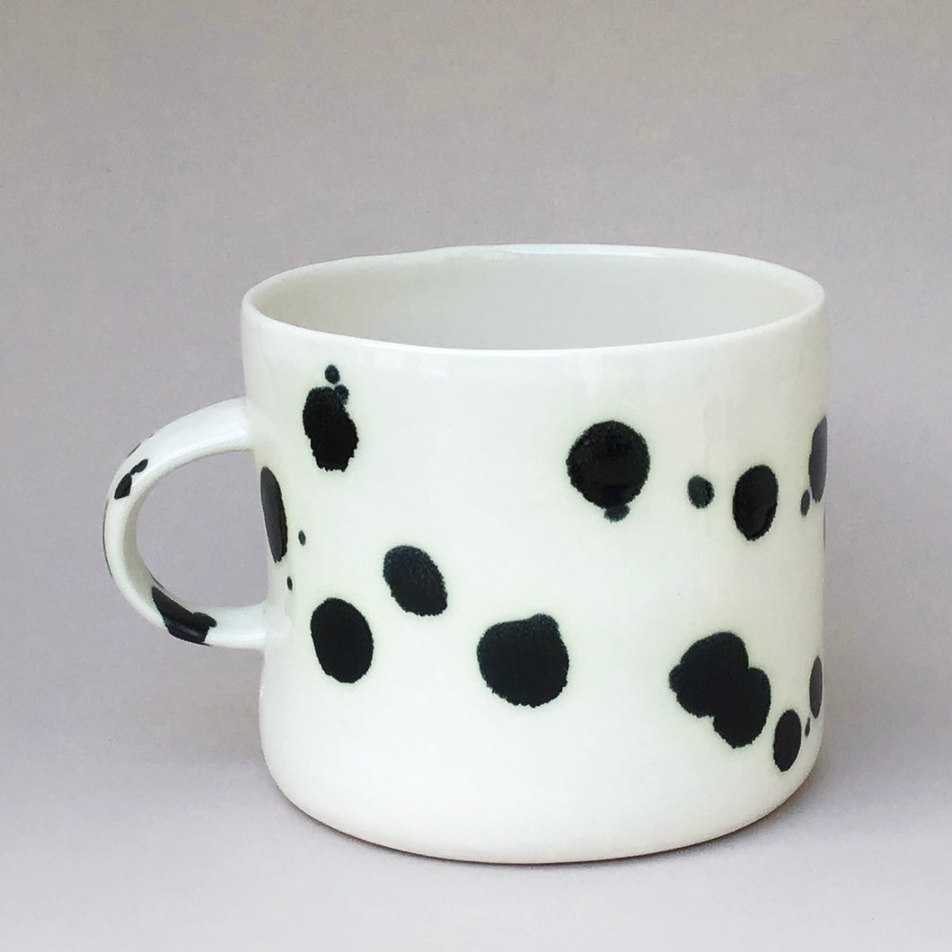 Large Dalmatian cup with a handle