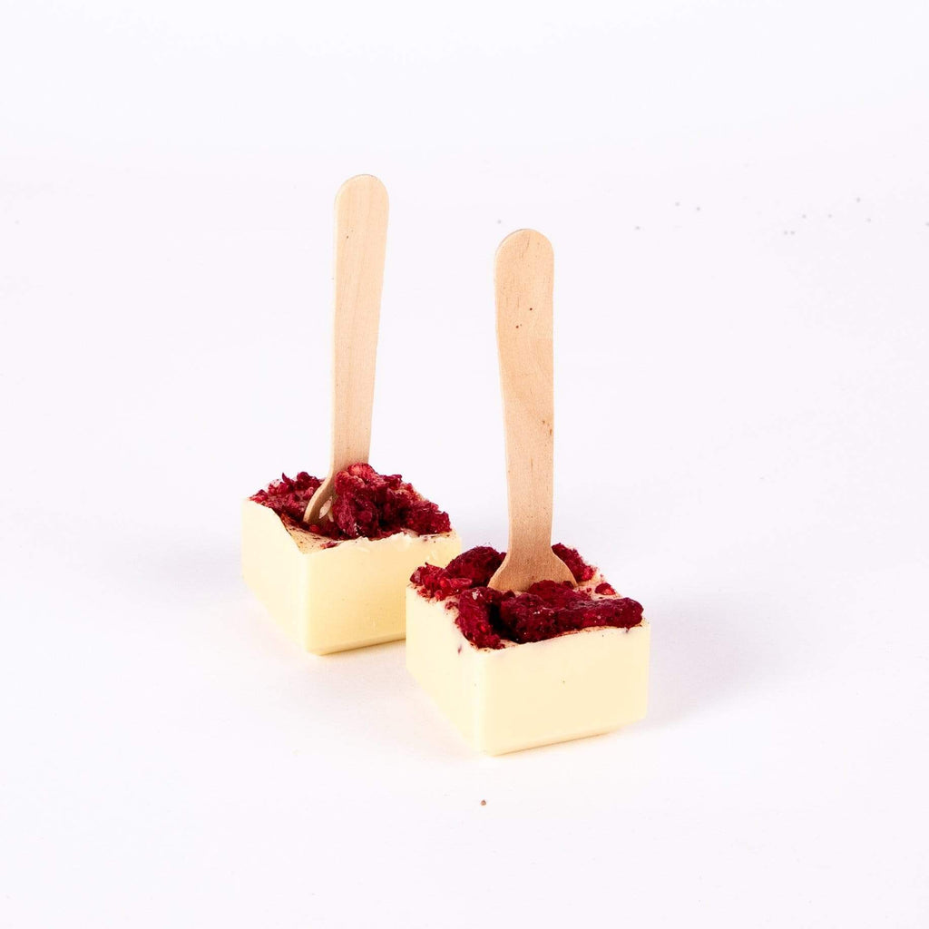 WHITE CHOCOLATE AND RASPBERRY HOT CHOCOLATE SPOONS