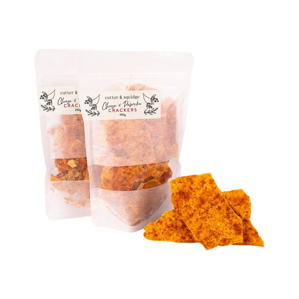 CHEESE AND PAPRIKA CRACKERS