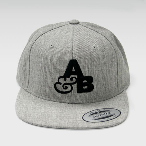 A&B LOGO LIGHT GREY BASEBALL CAP
