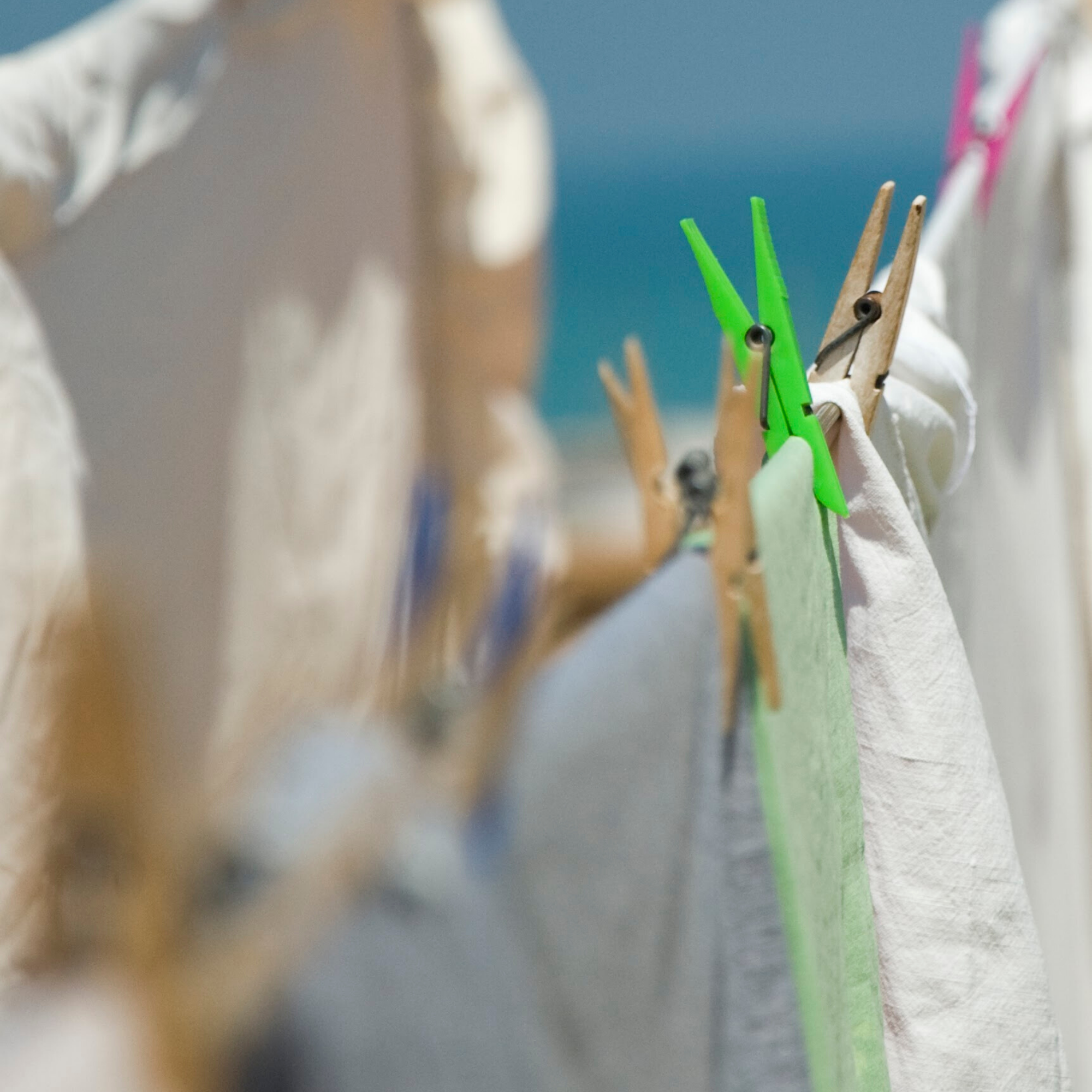 hang dry clothes