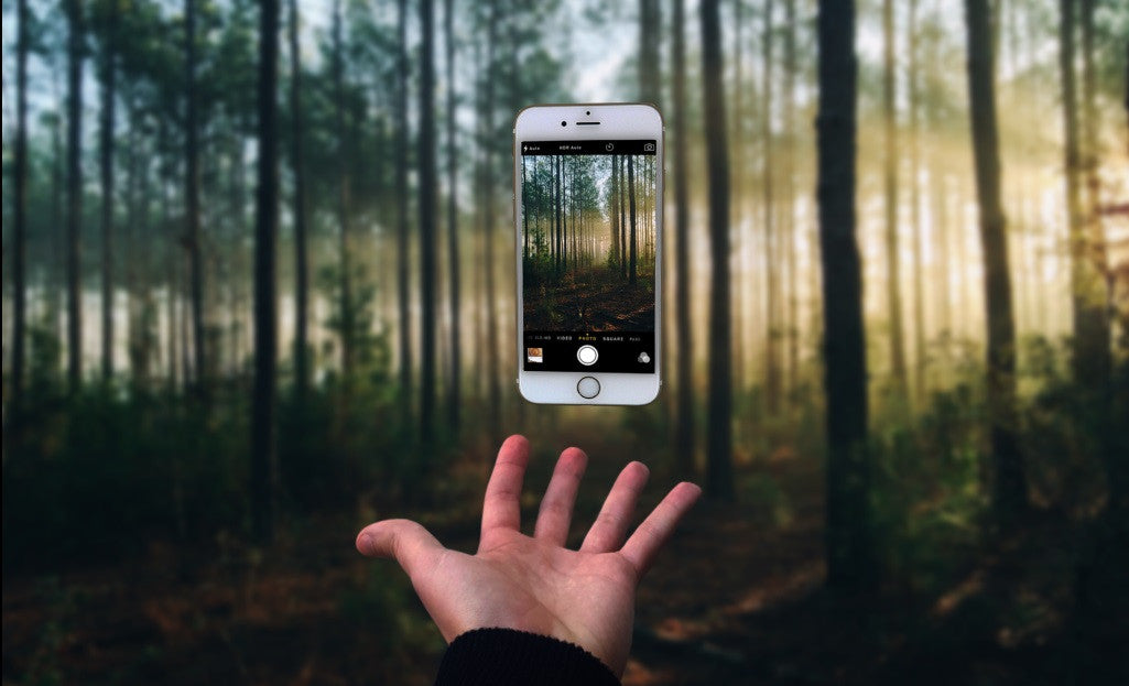 Photo Manipulation - Smartphone Levitation