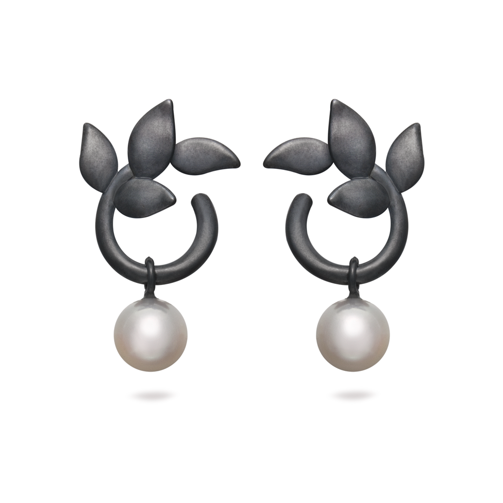 Leaf Pearl and Black Oxidized Sterling Silver Earring
