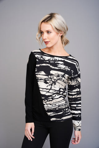 A 2565 Black and White Print Top
