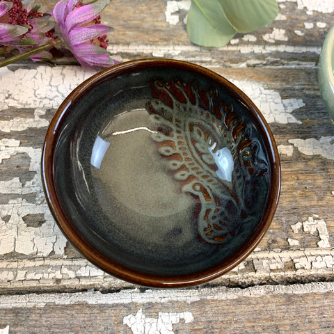Small Glossy Fig Black Dip Bowl.