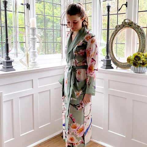 One Hundred Stars Blossoms & Birds Dressing Gown.