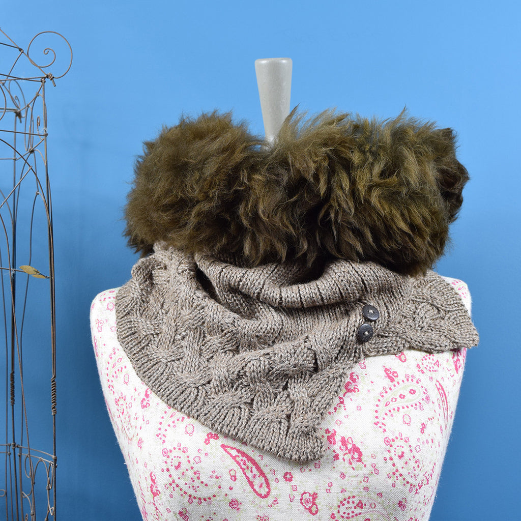 Samantha Holmes Alpaca Cable Knit Snood. Brown.