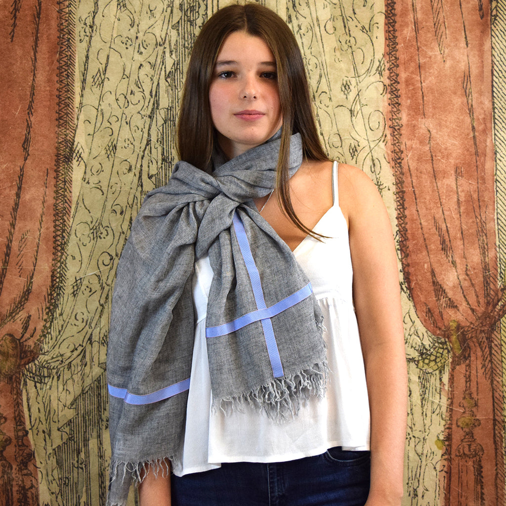 Feneun Limited Edition Cashmere Grey Scarf with Lilac Ribbon Detail.