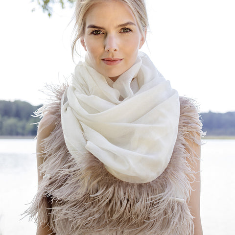 Feneun Virgin Wool Scarf with Ostrich Feather Trim. Creme.
