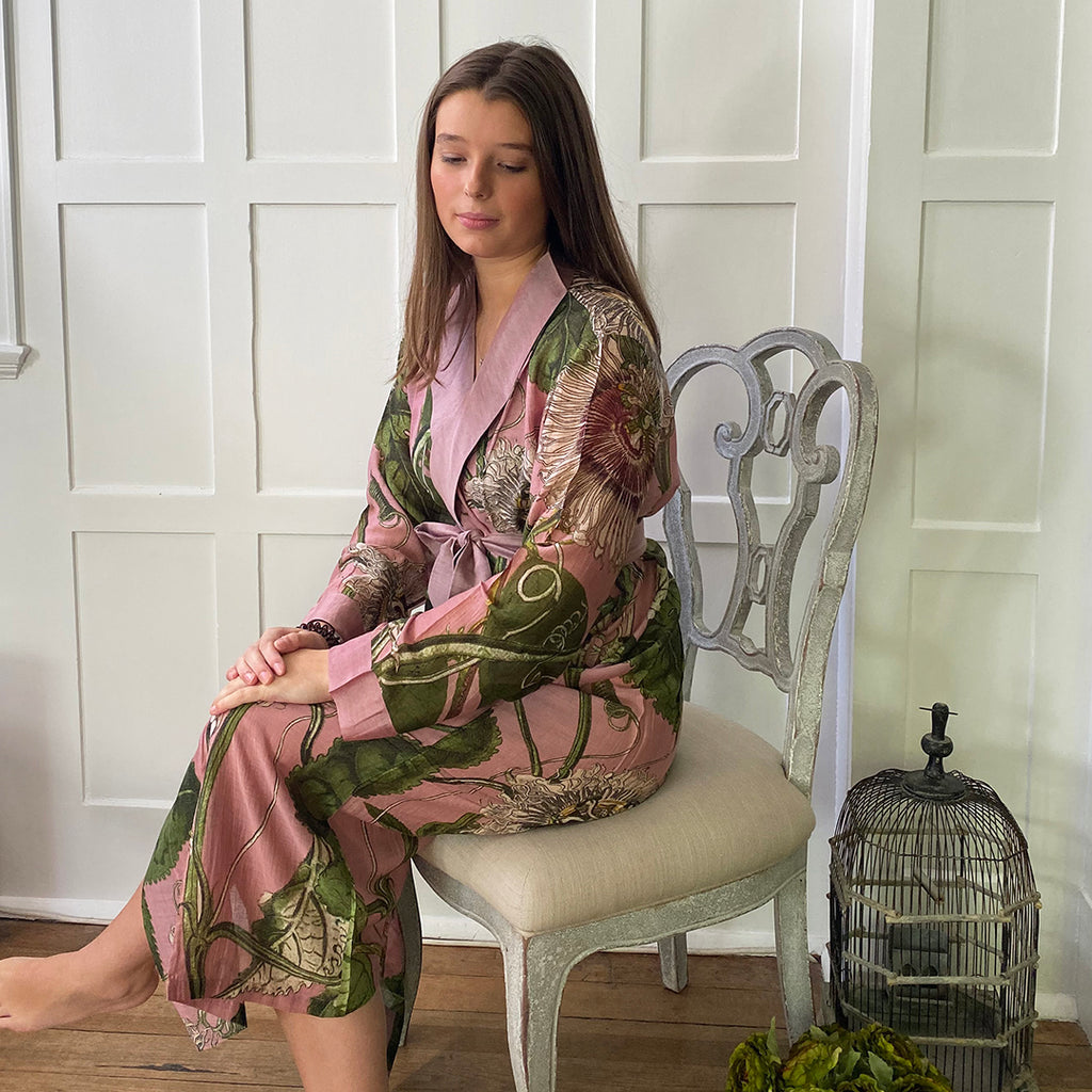 One Hundred Stars KEW Pink Passion Flower Dressing Gown.
