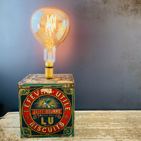 Kiki L'eclaireur Large Retro Biscuit Tin Edison Lamp